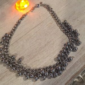 Ann Taylor Jewelry - Ann Taylor bauble necklace